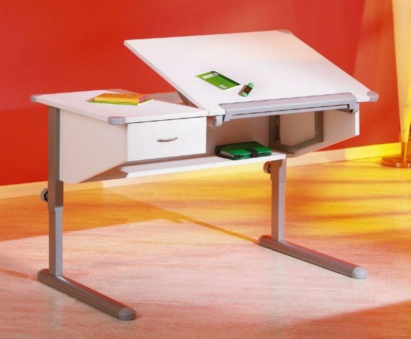 höhenverstellbarer Schreibtisch für Kind