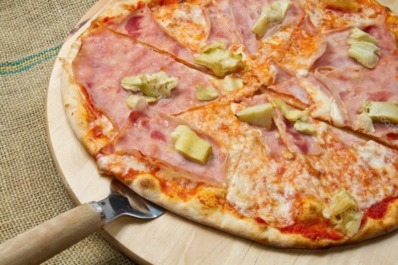 Pizza mit Schinken Rezepte leicht lecker