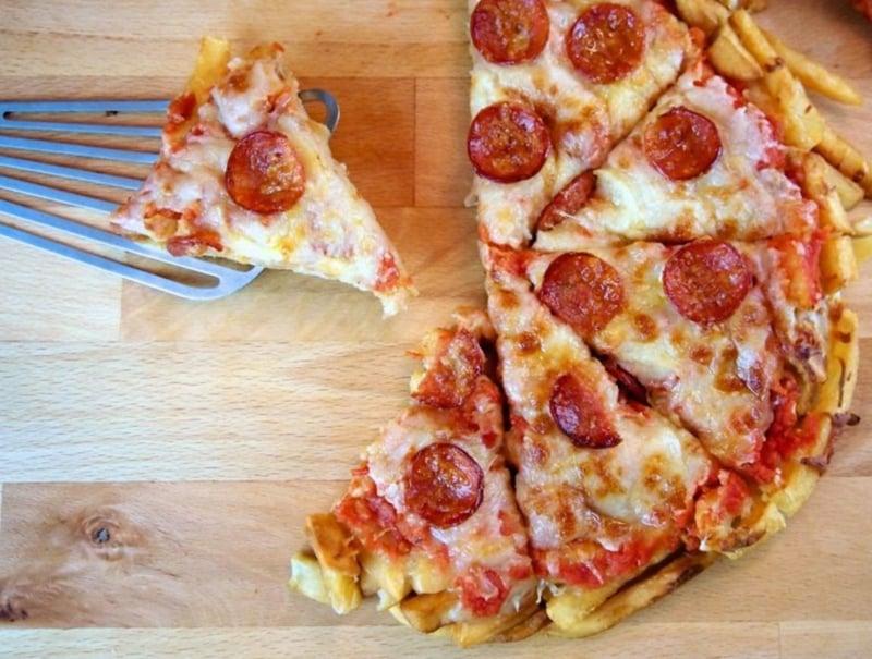Pommes Pizza leichtes Rezept