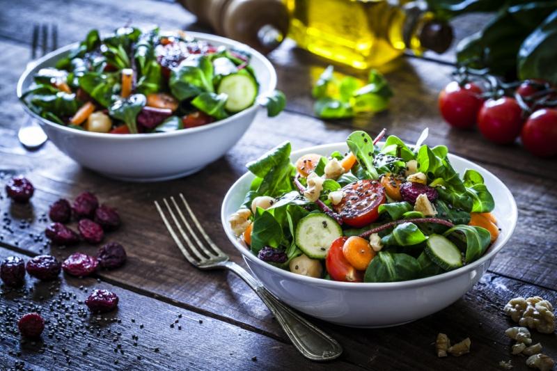 frische Salate essen