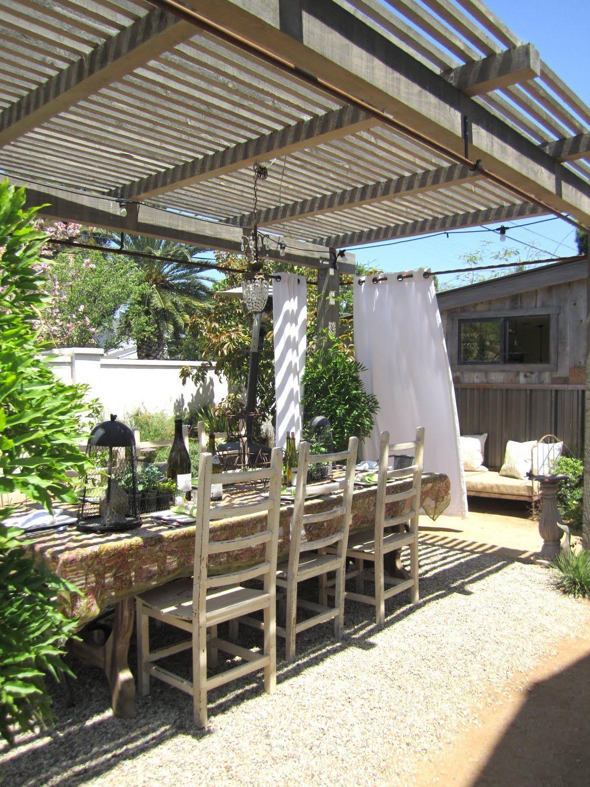 Wie sieht der Garten im Landhausstil aus?