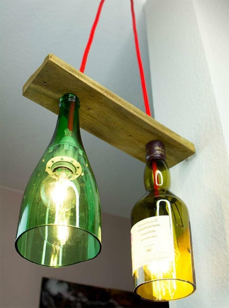 Deckenlampe aus Flaschen