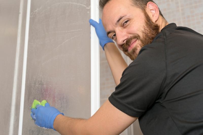 Duschkabine aus Kunststoff reinigen Tipps