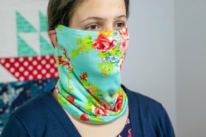 tolle Maske florale Motive Schal