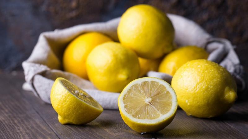 Fliesen putzen mit Zitronensäure