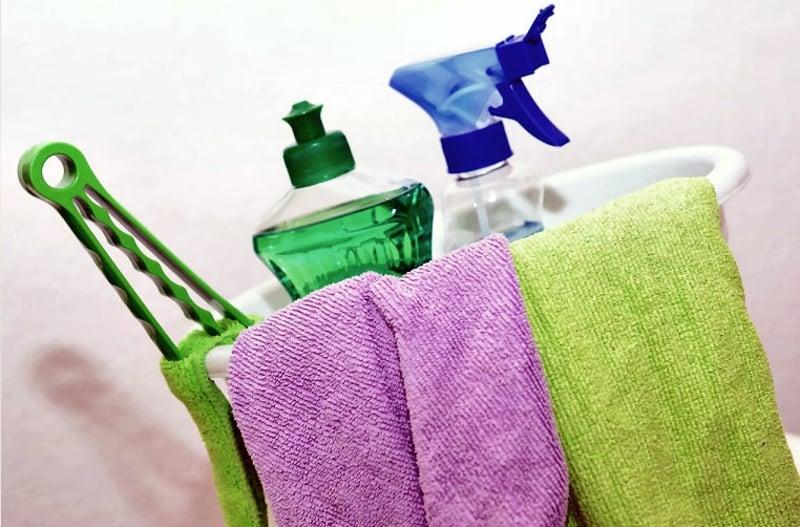 Bad putzen Tücher Reinigungsmittel