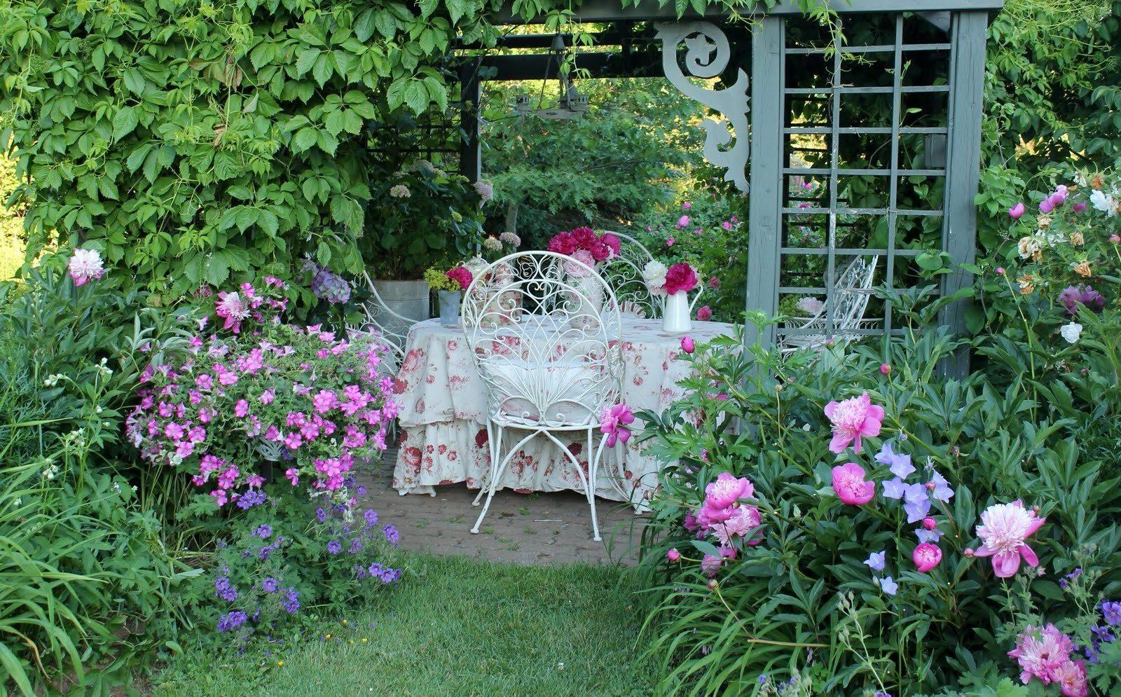 Einen romantischen Garten gestalten