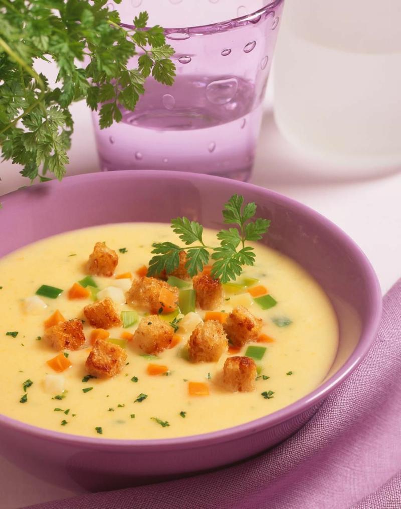 Kartoffelcremesuppe mit Croutons