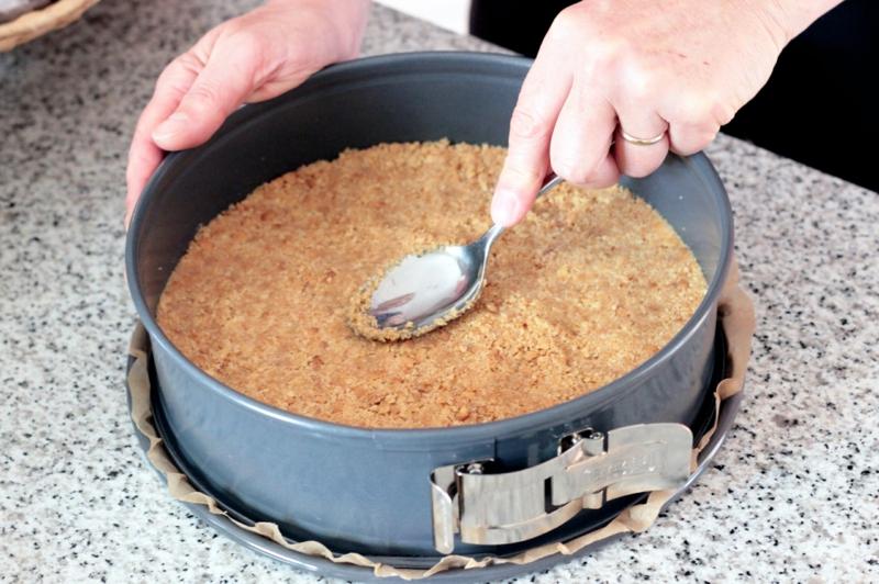 Käsekuchen Keksboden