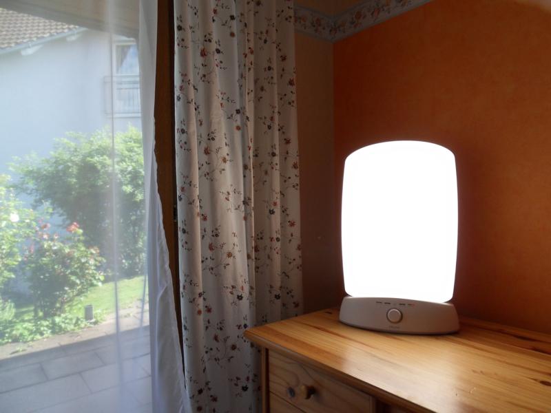 kleine Lichttherapie-Lampe Schlafzimmer