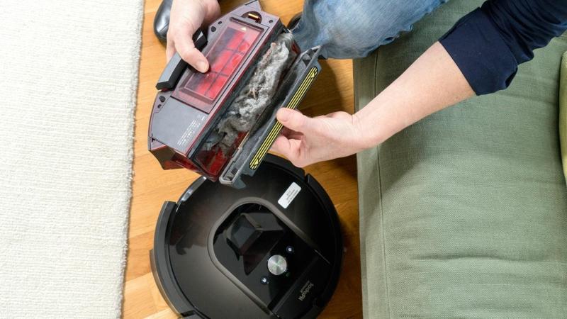 Staubsauger Roboter Unterseite reinigen
