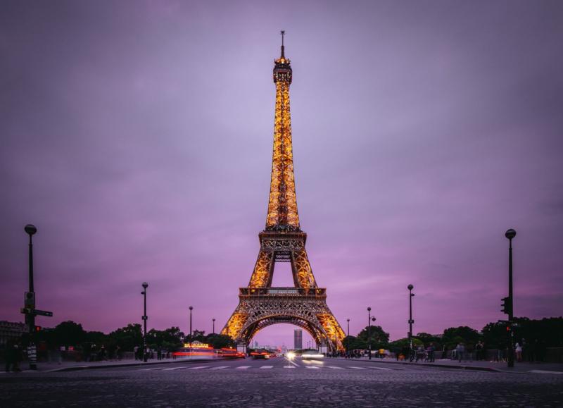 nach Paris reisen online Eiffelturm