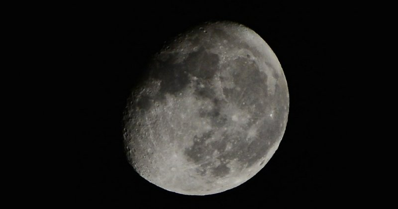 Weltraum-Reise virtuell Mond
