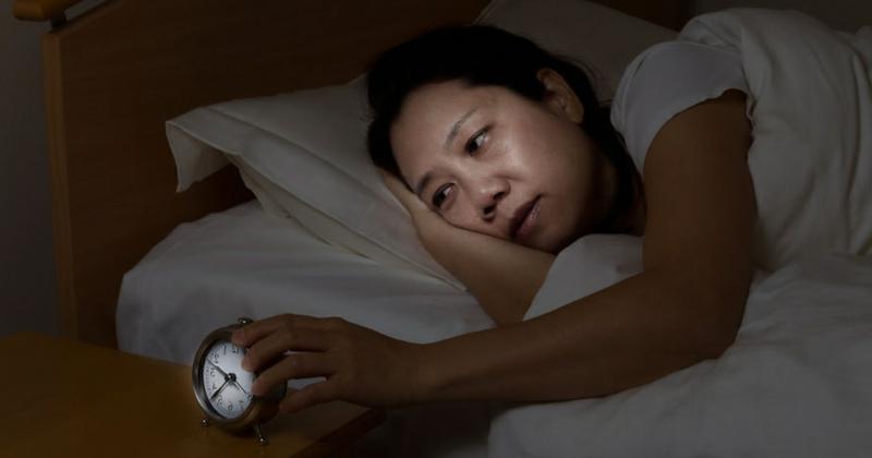 Schlaflosigkeit müde aufwachen