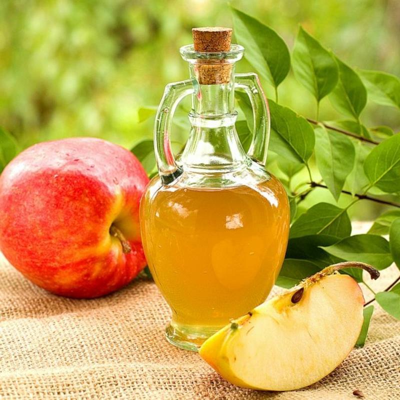Apfelessig für fettiges Haar