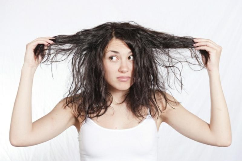 Pflegetipps bei fettigen Haaren