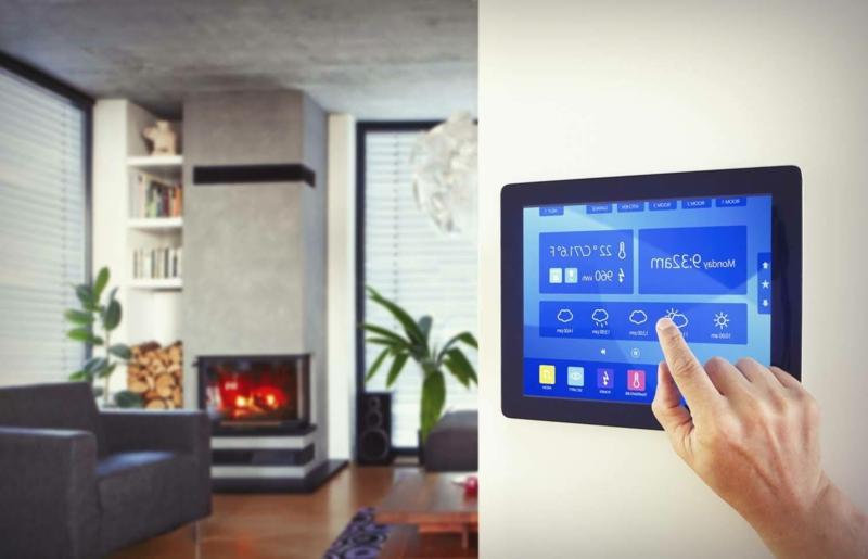 Wohnzimmer Steuerung Smarthome System an der Wand