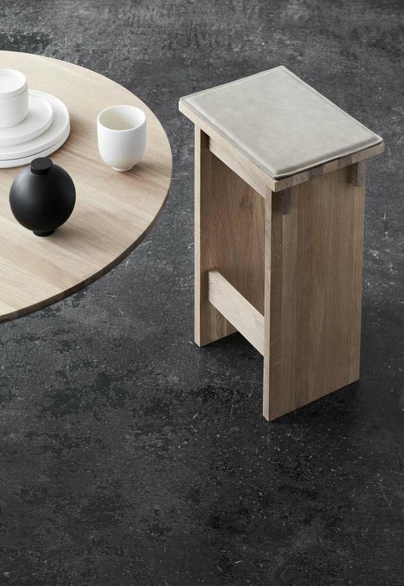 elegante Holzmöbel Hocker