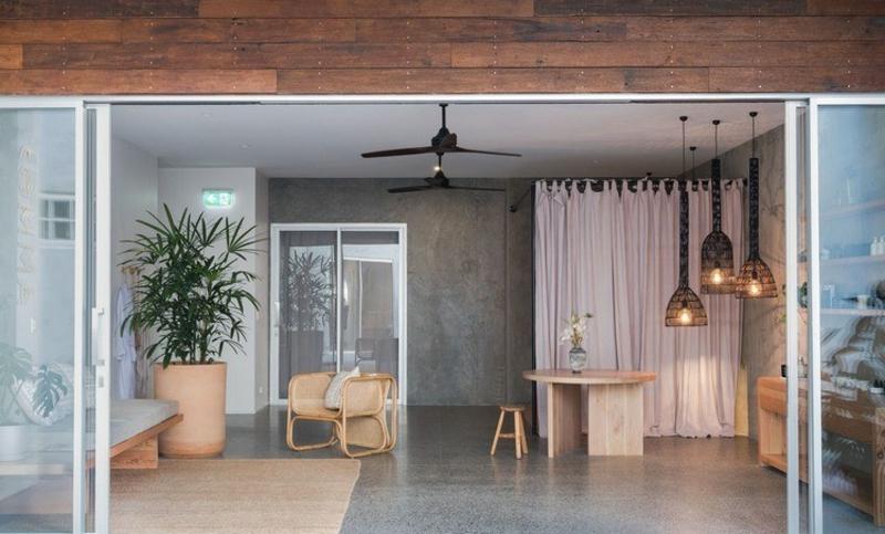 Japandi Einrichtung große Räume wenig Möbel