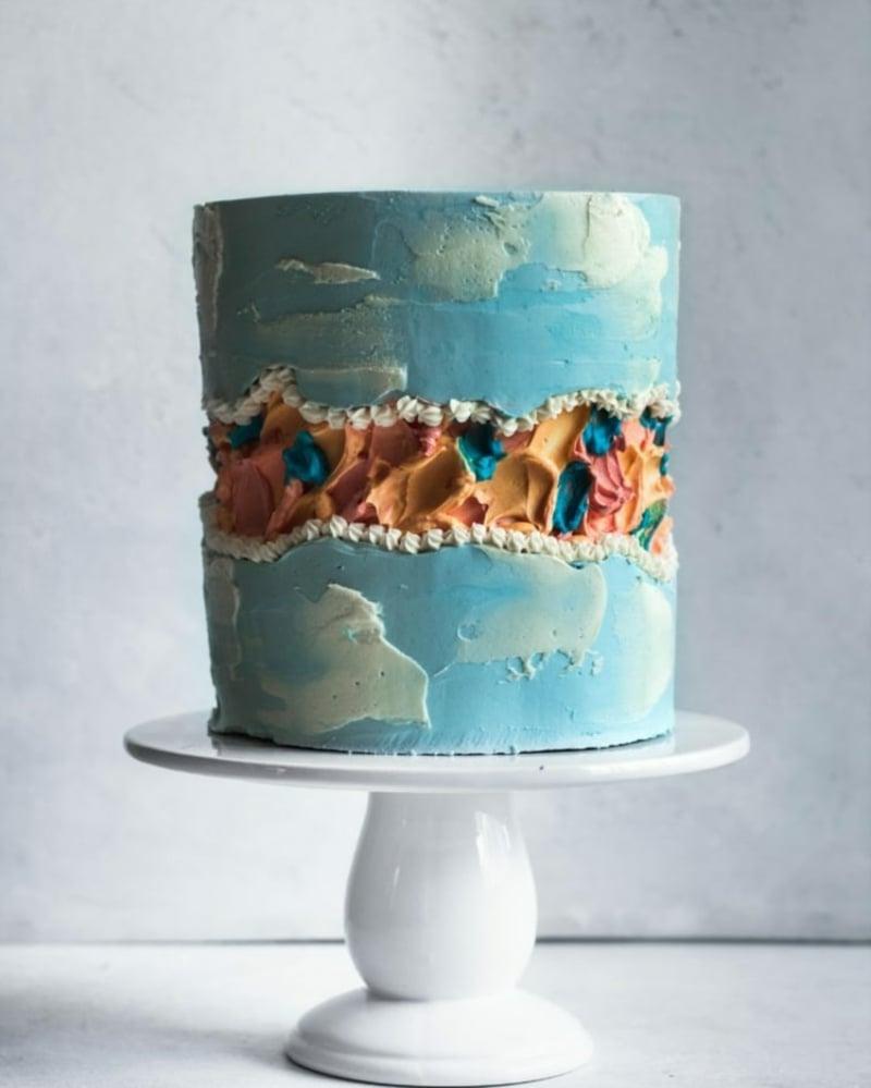 blaue Torte herrliche Dekoidee