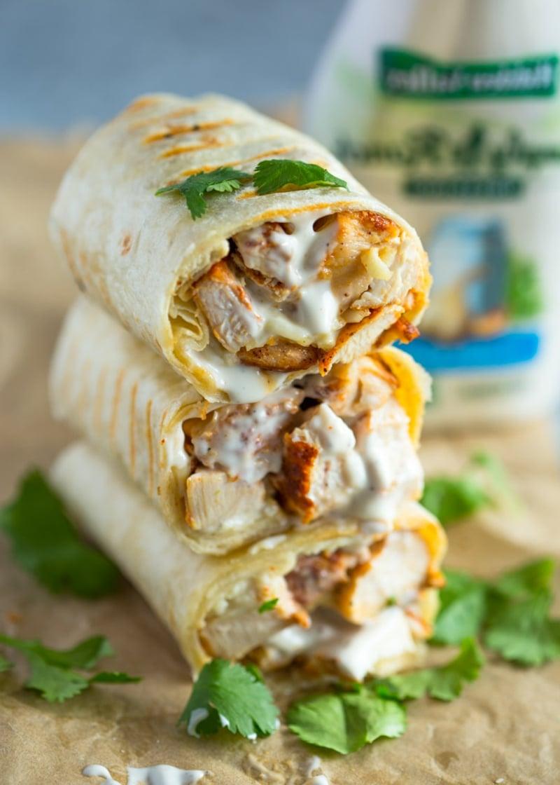 Protein Wraps mit Hähnchen und Sauce