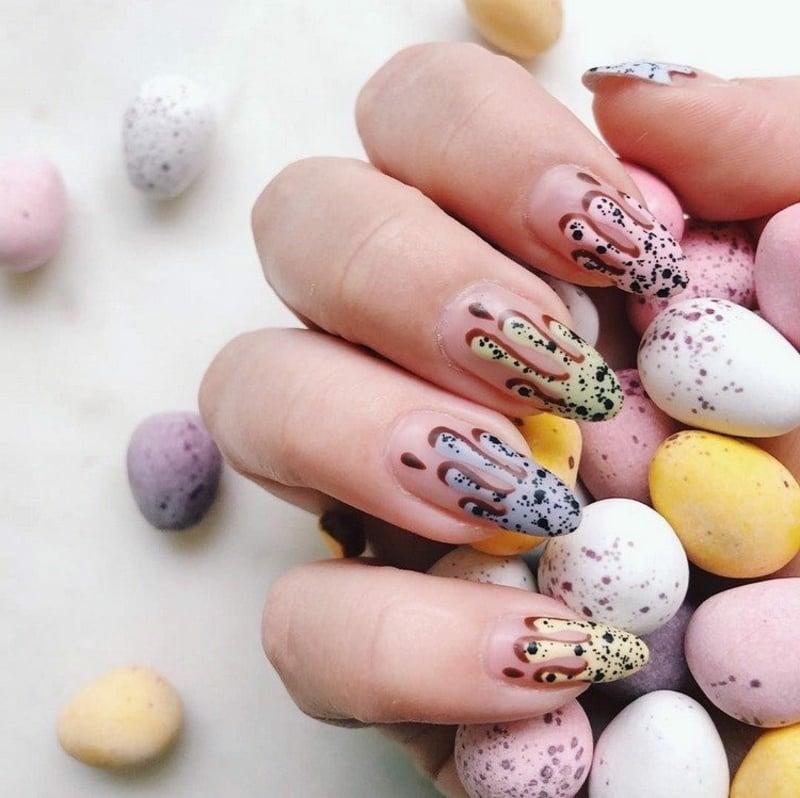 Eggshell Nails Ostern