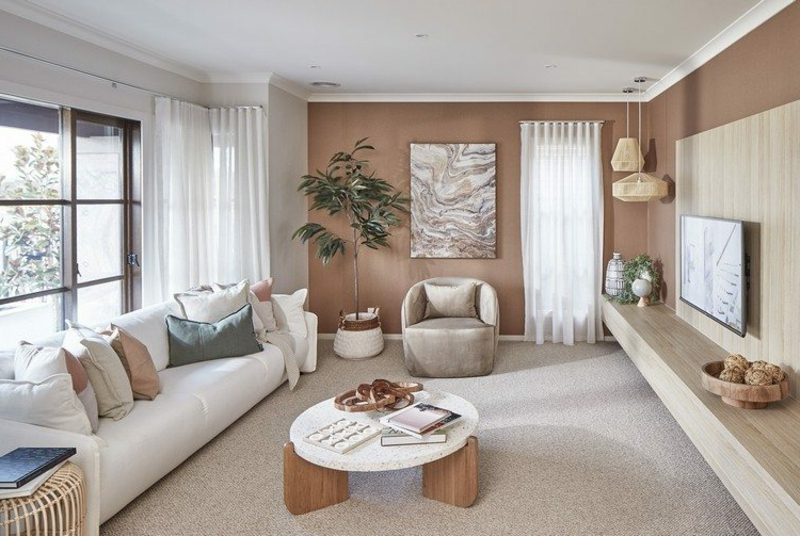 Wohnzimmer in Weiß und Schokoladenbraun