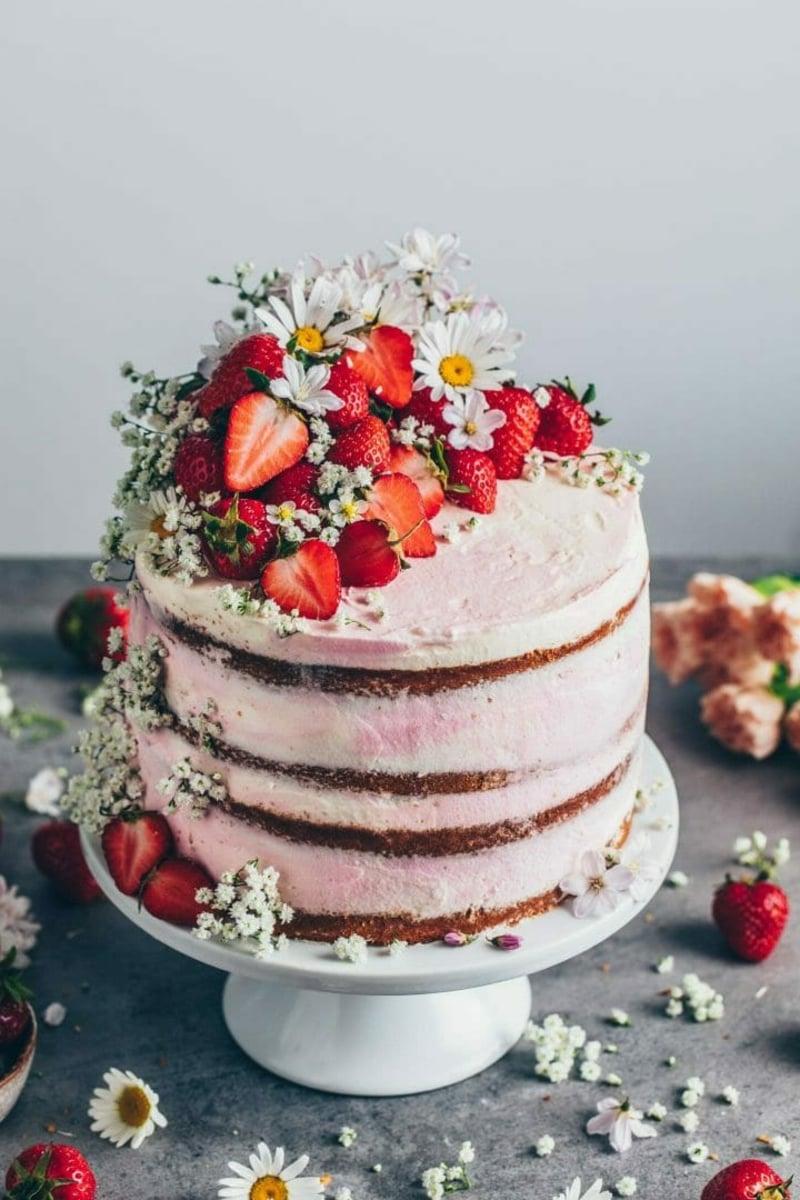 Erdbeer Deko für Torten fantastische Ideen