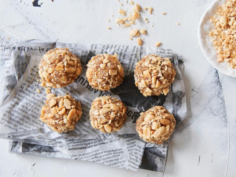 Energy Balls mit Erdnüssen