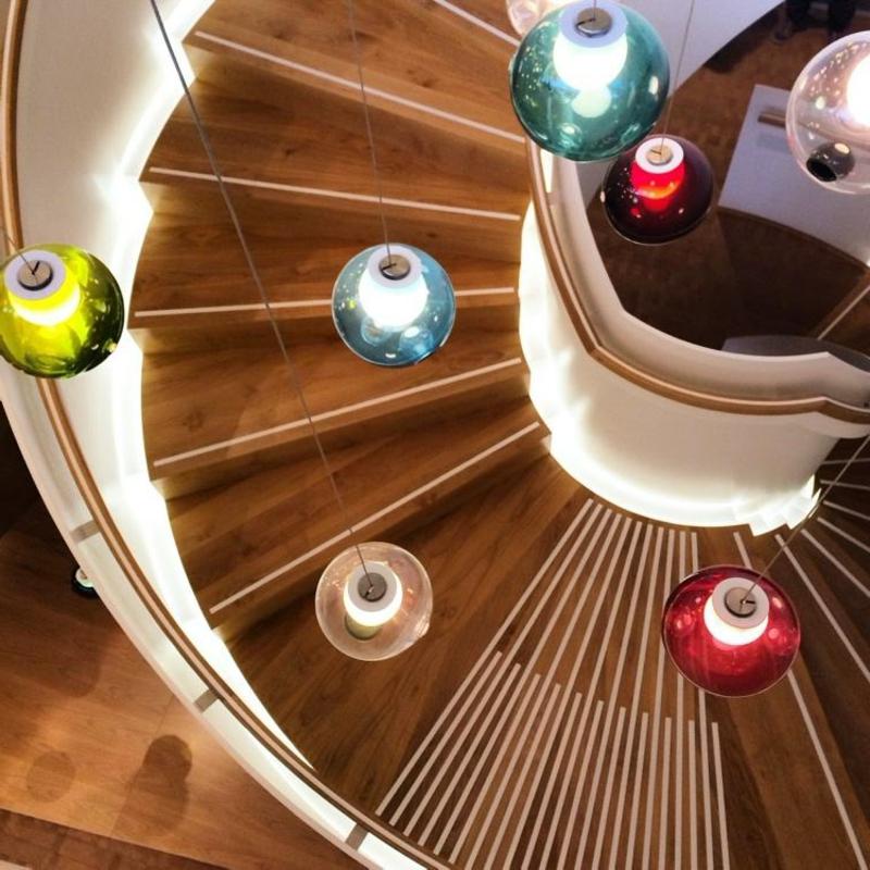 moderne Lichtkörper Seifenblasen farbig