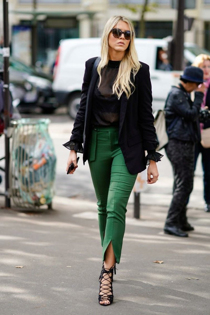 Hose mit Schlitz am Bein tragen herrlicher Look