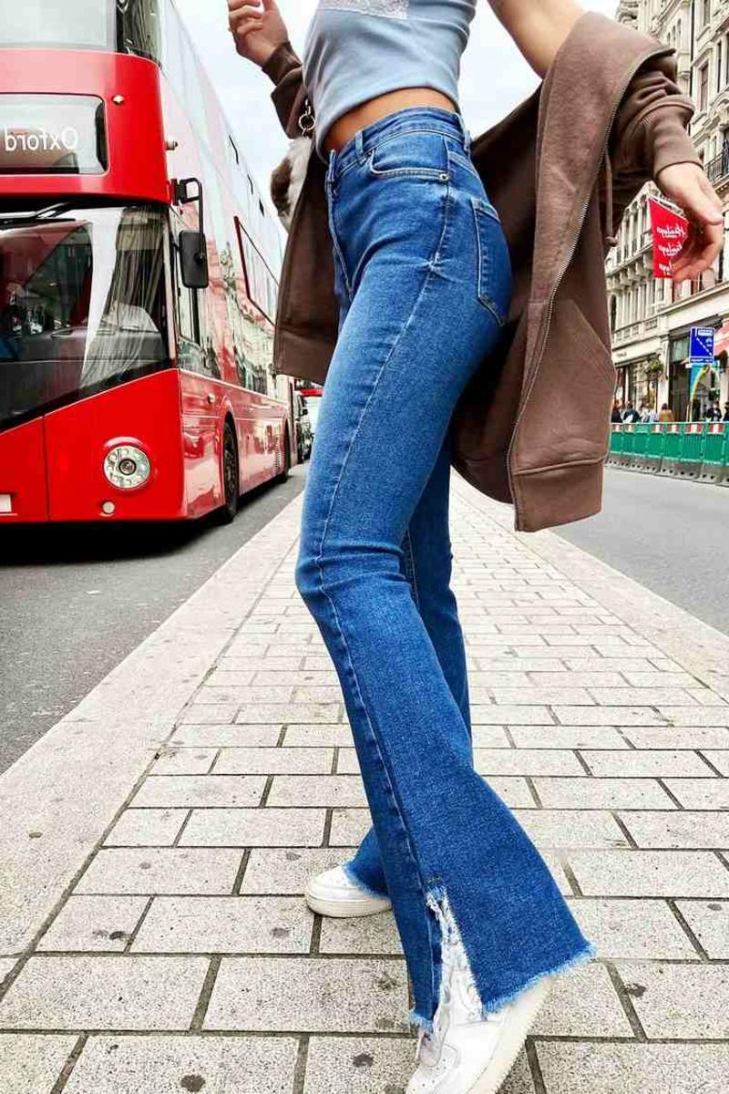 Jeans geschlitzt seitlich