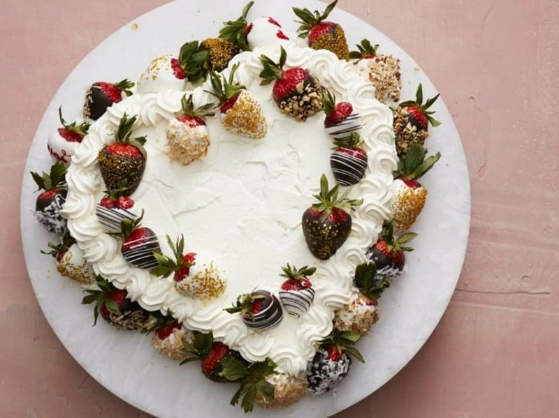 Erdbeeren in Schokolade umhüllen Dekoidee