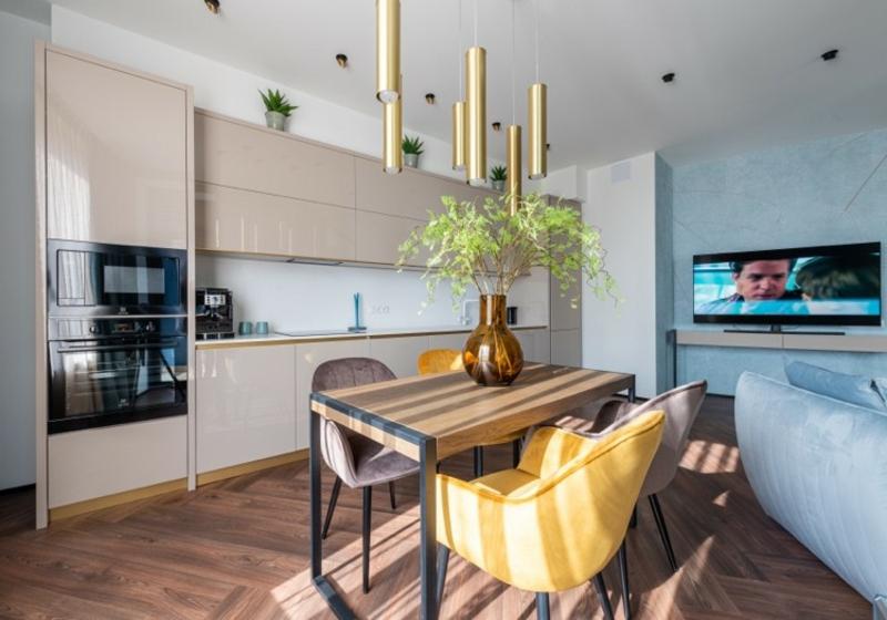 Küche gestalten warme und neutrale Farben