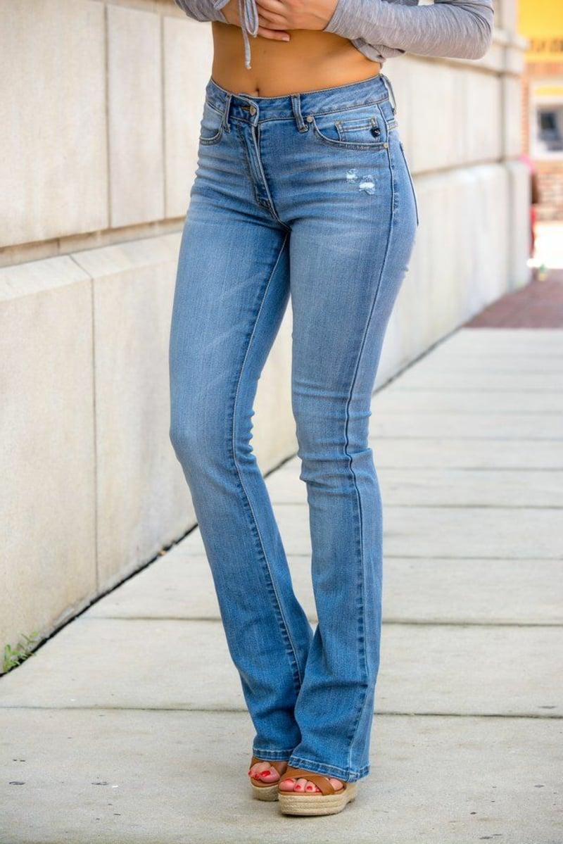 Jeans Trend 2021 attraktive Modelle