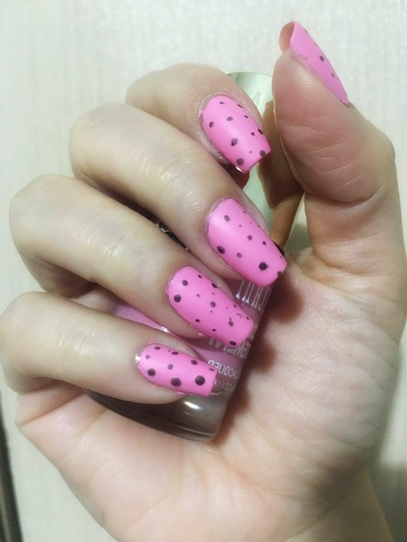Eggshell Nails pink