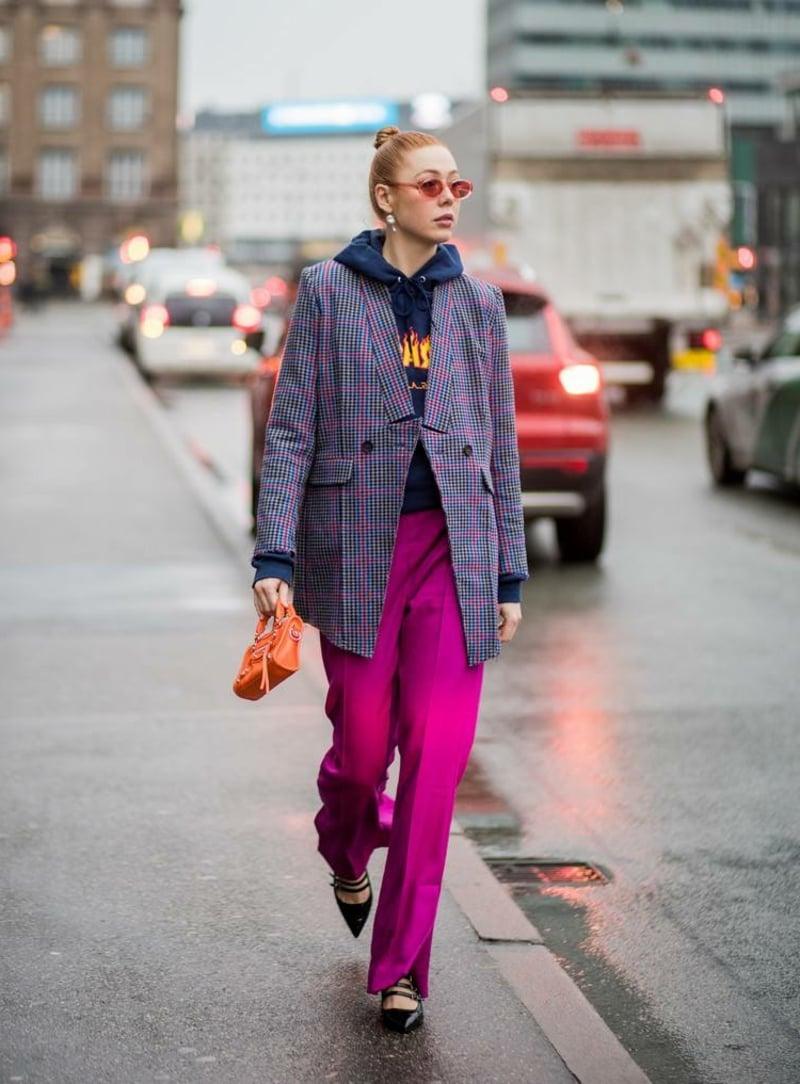 extravagante Hose in Violett