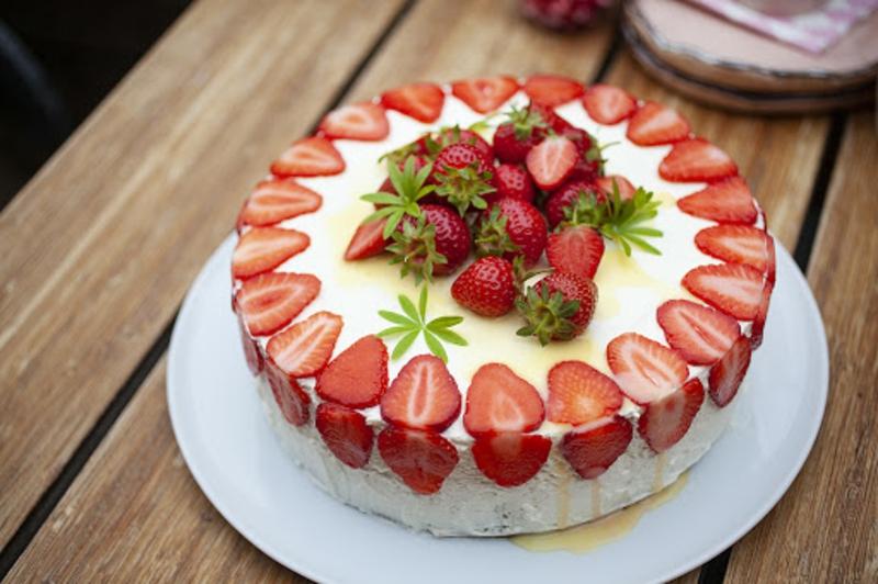 Cheesecake mit Erdbeeren ohne Backen