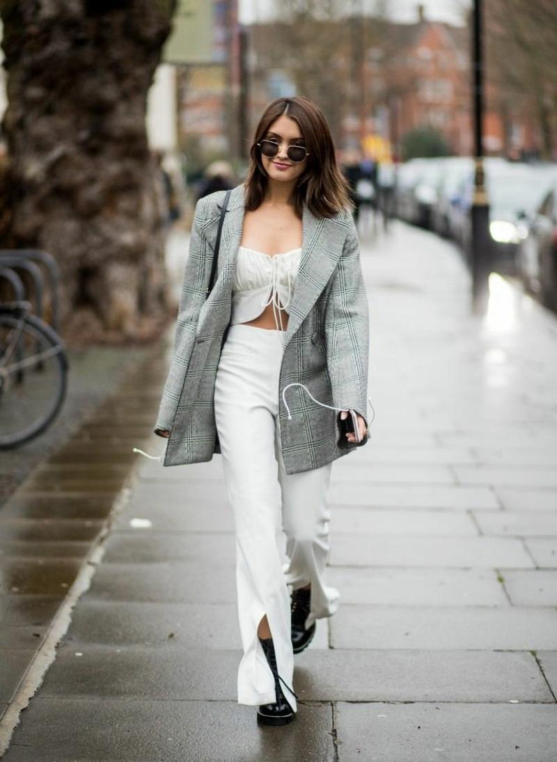 moderne Hosen weiß