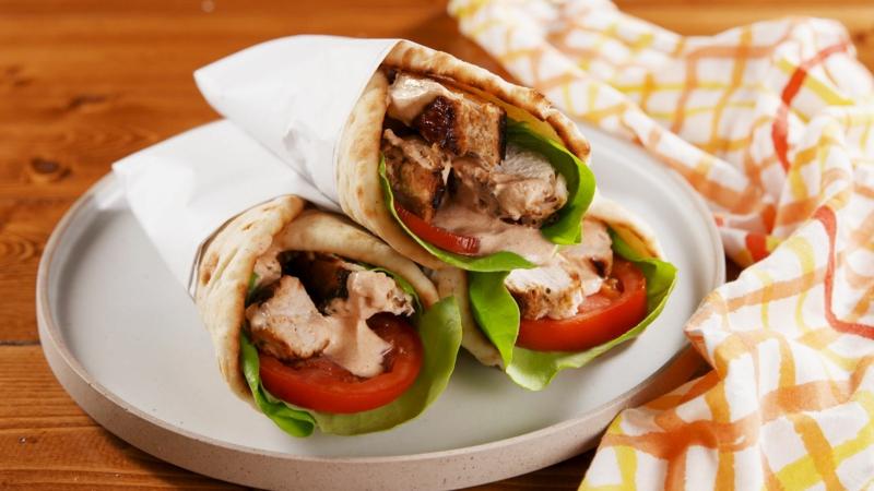Tortillas mit Fleisch und Gemüse