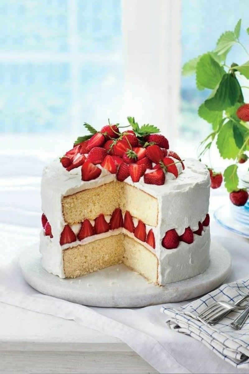 Sahnetorte mit Erdbeeren - ein wahrer Klassiker