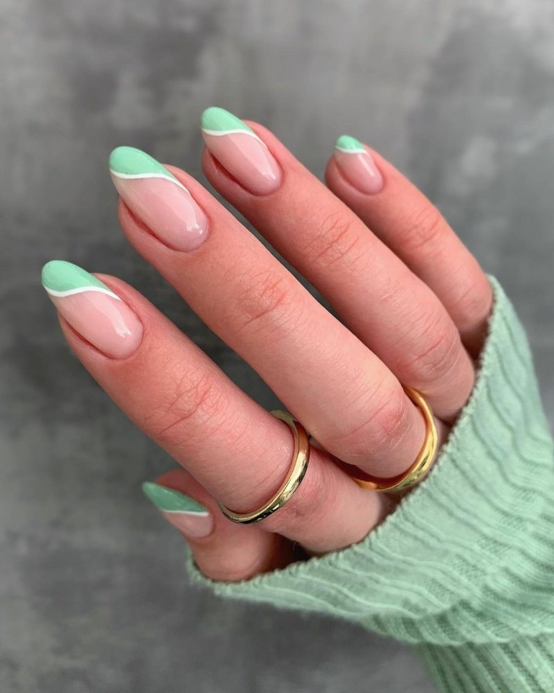 French Nails Pastellgrüne Spitzen