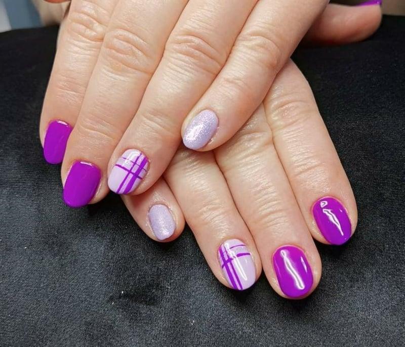 elegante Maniküre in Violett