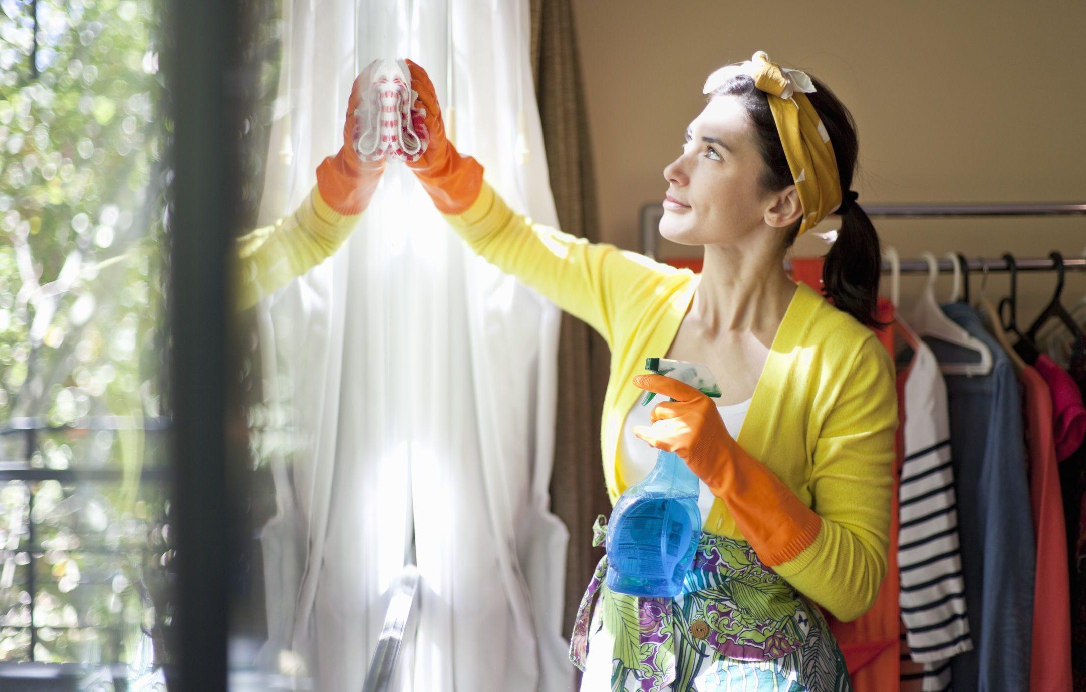 Frühjahrsputz - Fenster und Rollladen putzen, Gardinen waschen