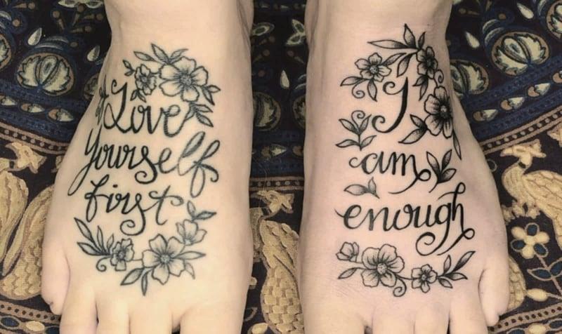 Fuß Tattoos ganz tiefsinnig