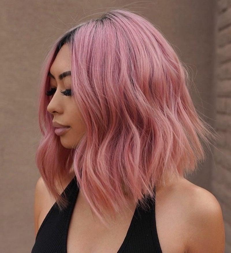 Haarfarbe Rosegold dunkler Haaransatz