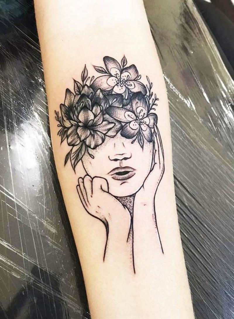Tattoo Frau Gesicht Blumen wunderschön