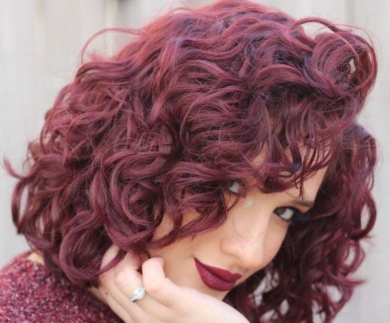 Haarfarbe Burgunderrot