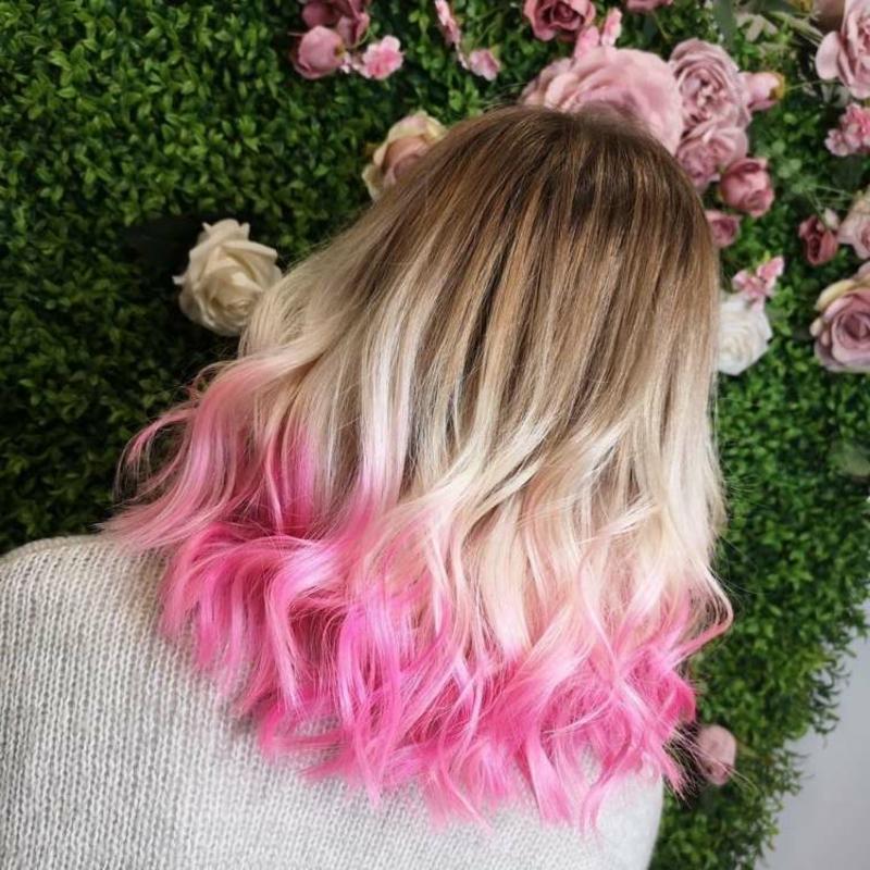 Dip Dye Look rosa Haare