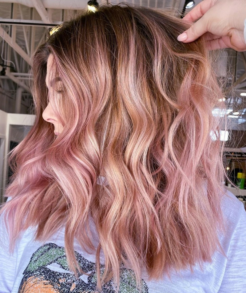 blonde Haare rosa Highlights